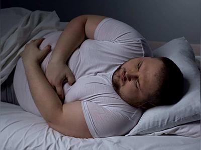 کم خوابی می تواند باعث بروز چاقی شود
