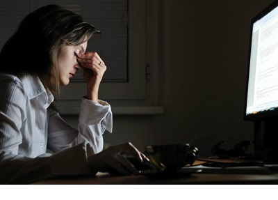 شب کار بودن ساعت بیولوژیک بدن شما را دچار مشکل می کند