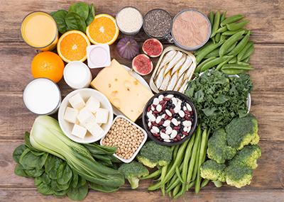 مواد غذایی غنی از کلسیم مصرف کنید