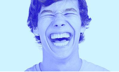 خنده غیر طبیعی در 2 ساعت ابتدایی مصرف ماریجوانا