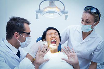 داشتن دندانهای زیبا برای همه مهم است